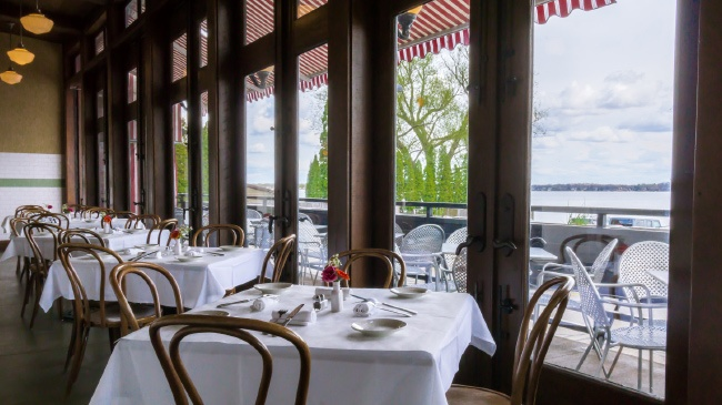 11 eateries with gorgeous waterfront views
