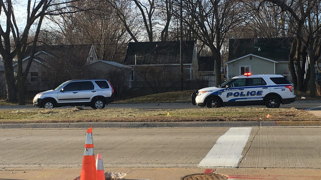 65-year-old bicyclist struck by SUV, injured on east Aberg Ave., police say