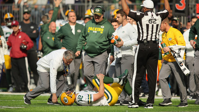 Rodgers takes snaps, does conditioning drills at Packers practice
