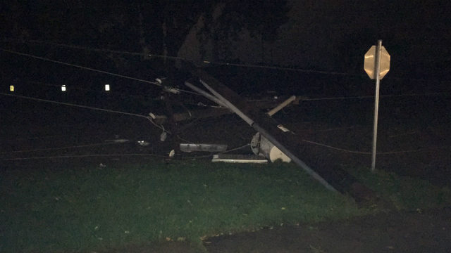 Strong storms cause hundreds of power outages across southern Wisconsin