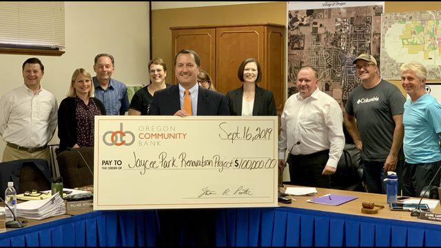 Oregon Community Bank makes $100,000 donation to park renovation project