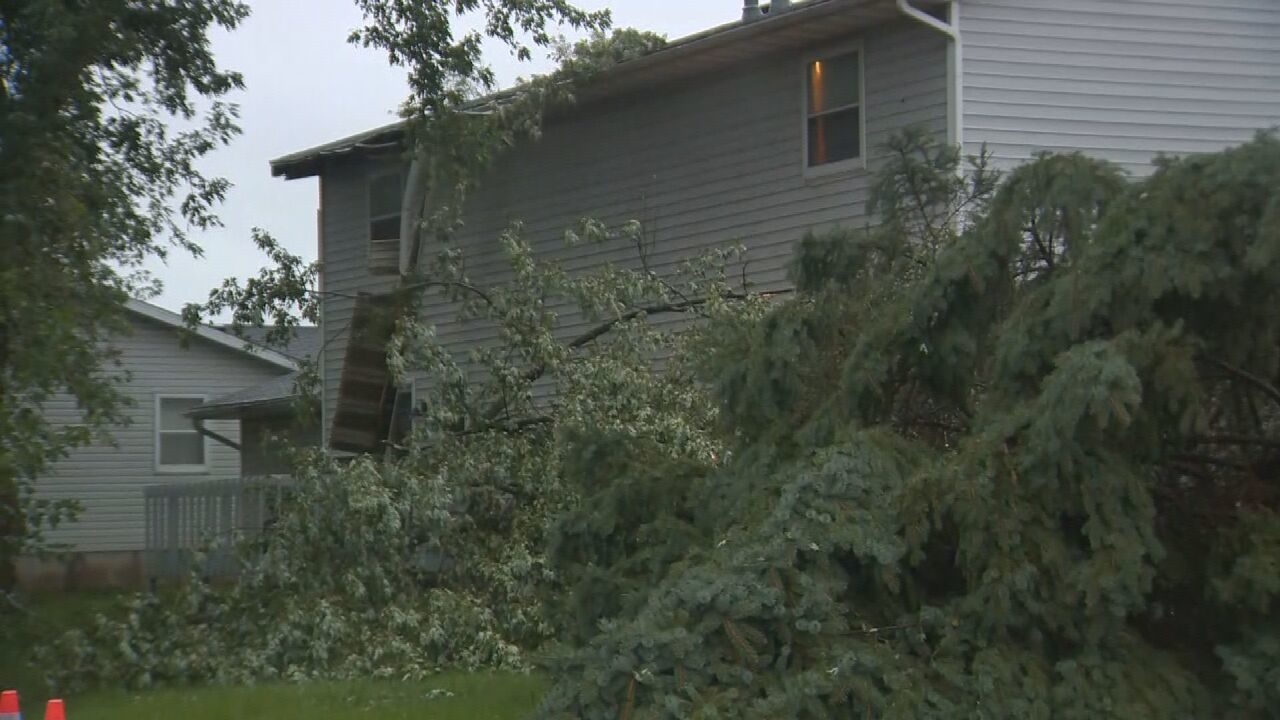 Tornado confirmed in Sullivan, damage in Belleville caused by straight-line winds