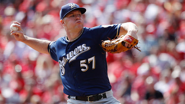Brewers trade Anderson, Thames becomes free agent