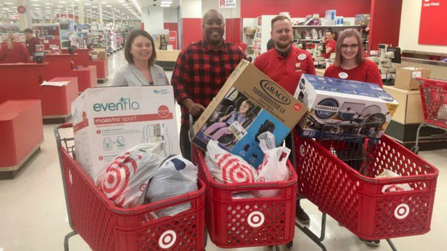 'This is the season of giving': Holiday shoppers give back to those who need it most