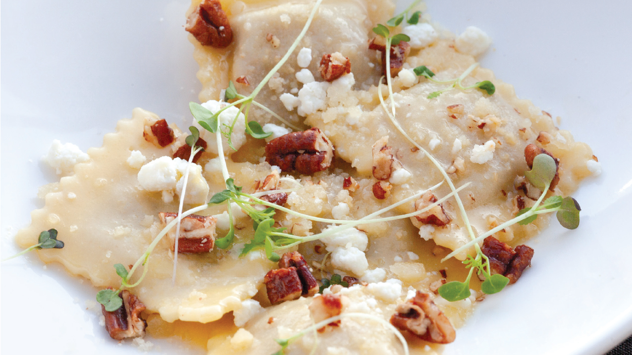 ravioli with nuts and cheese