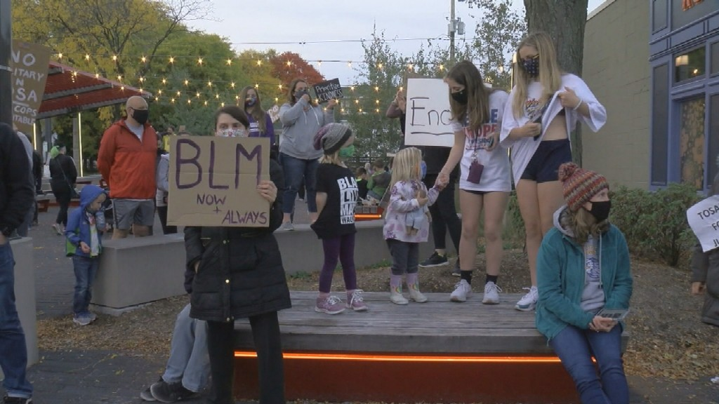 Tosa Protest Frame 454