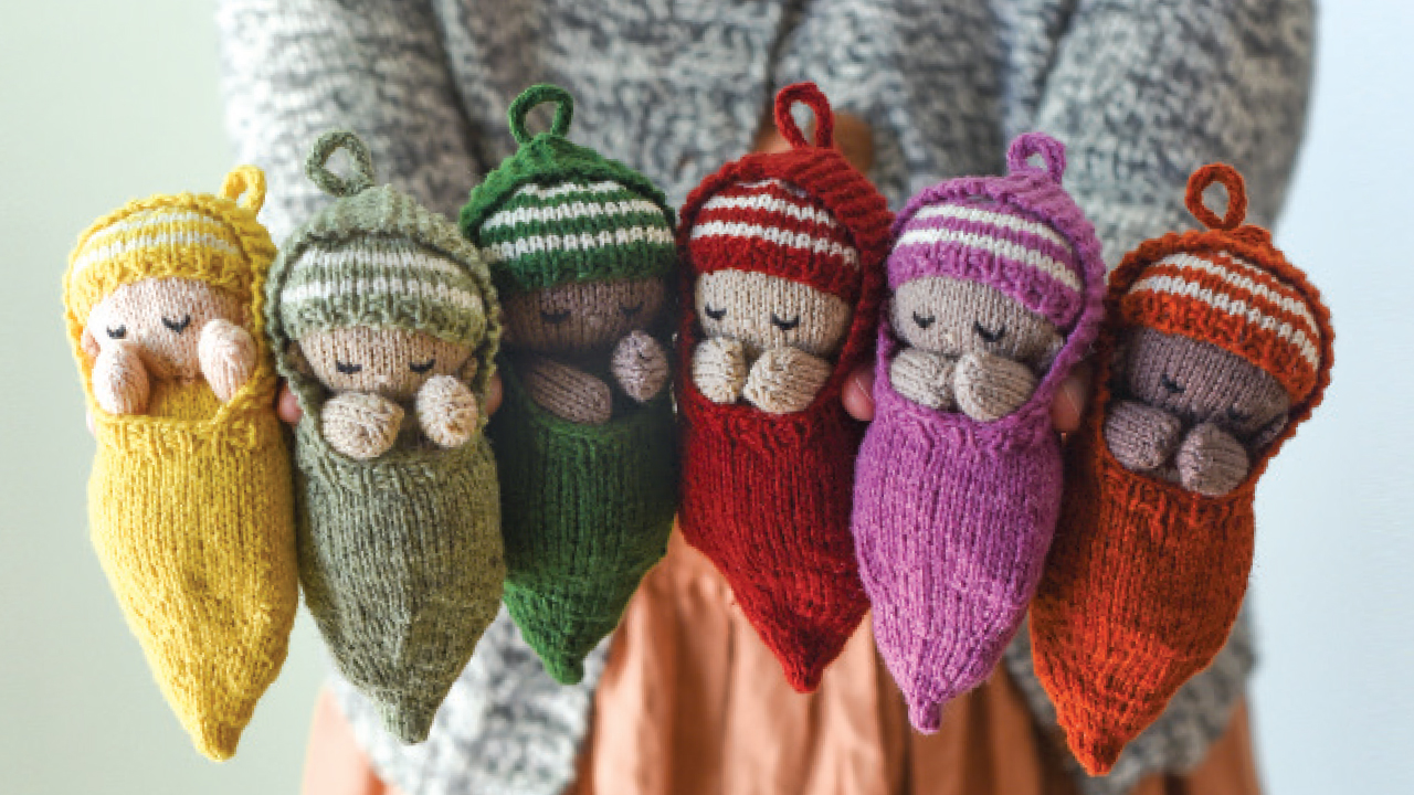 small knitted babies