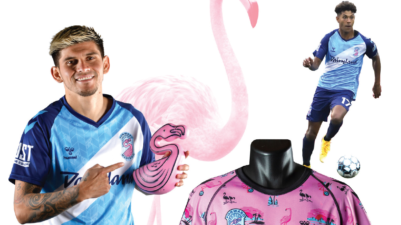 Christian Diaz, along with other players of Forward Madison FC and flamingos